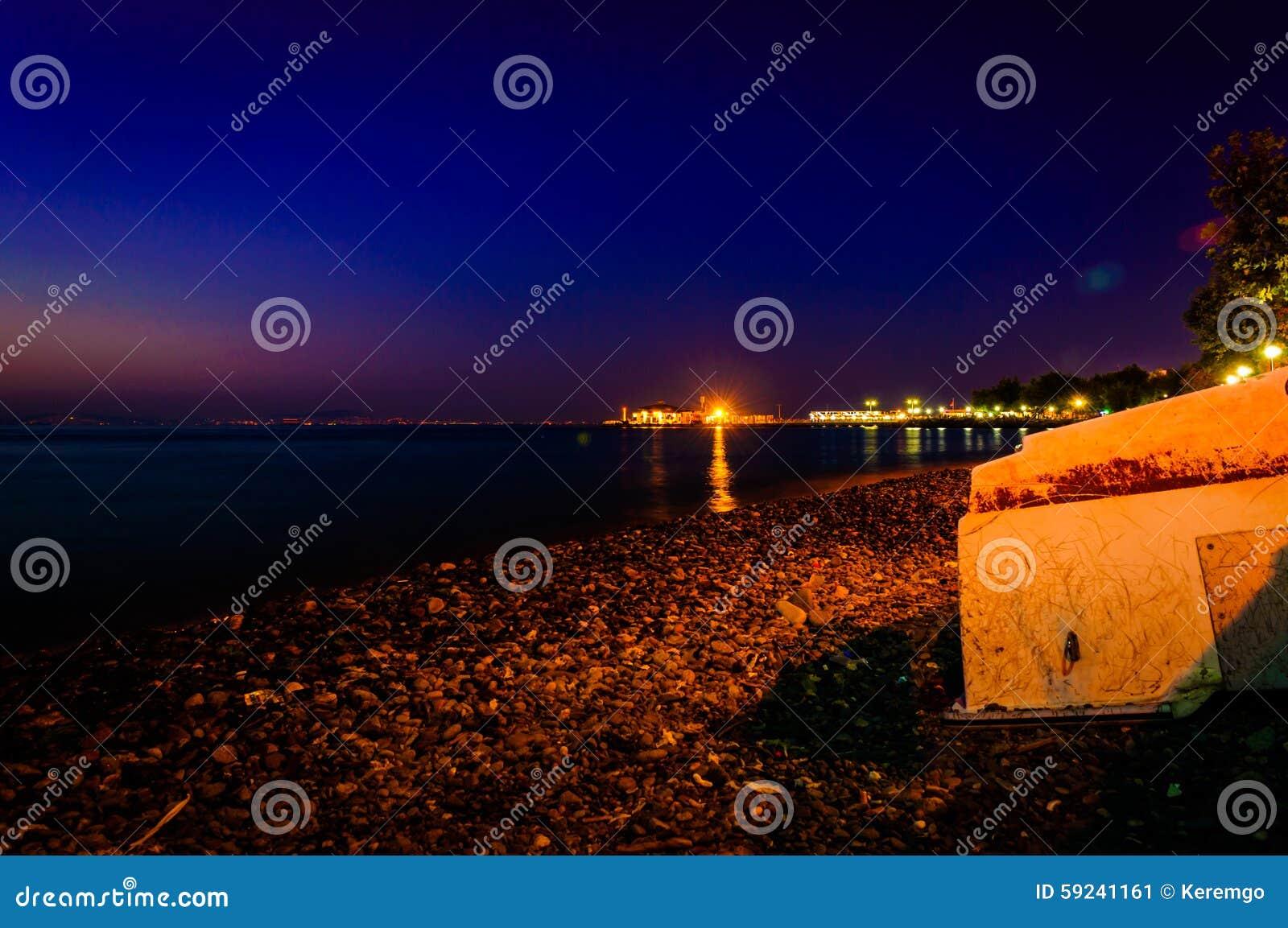 Paisaje suave de la noche de la playa