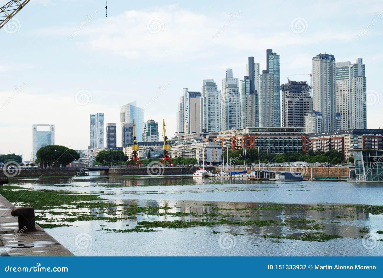 Paisaje urbano de Buenos Aires, capital de la Argentina
