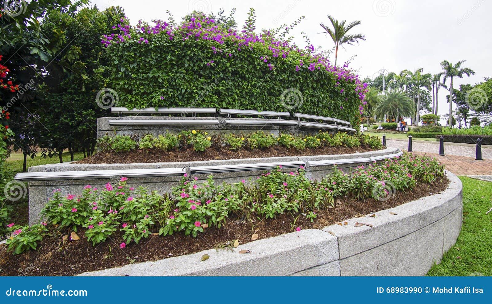 Paisaje verde hermoso en Putrajaya Malasia