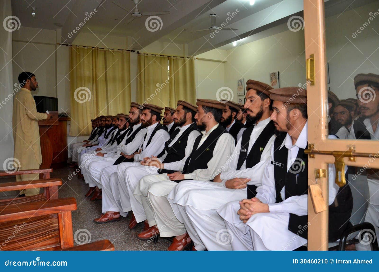 de radicalization programs used to combat islamist Pathways to de-radicalization– ict16  forward to combat islamic radicalization within detention centers  topic of methods and de-radicalization programs that .