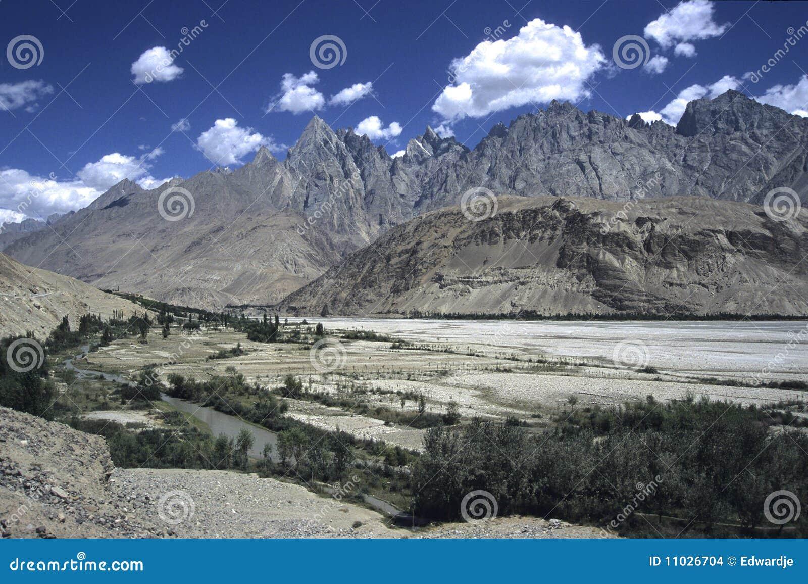 Pakistan Mountains 2