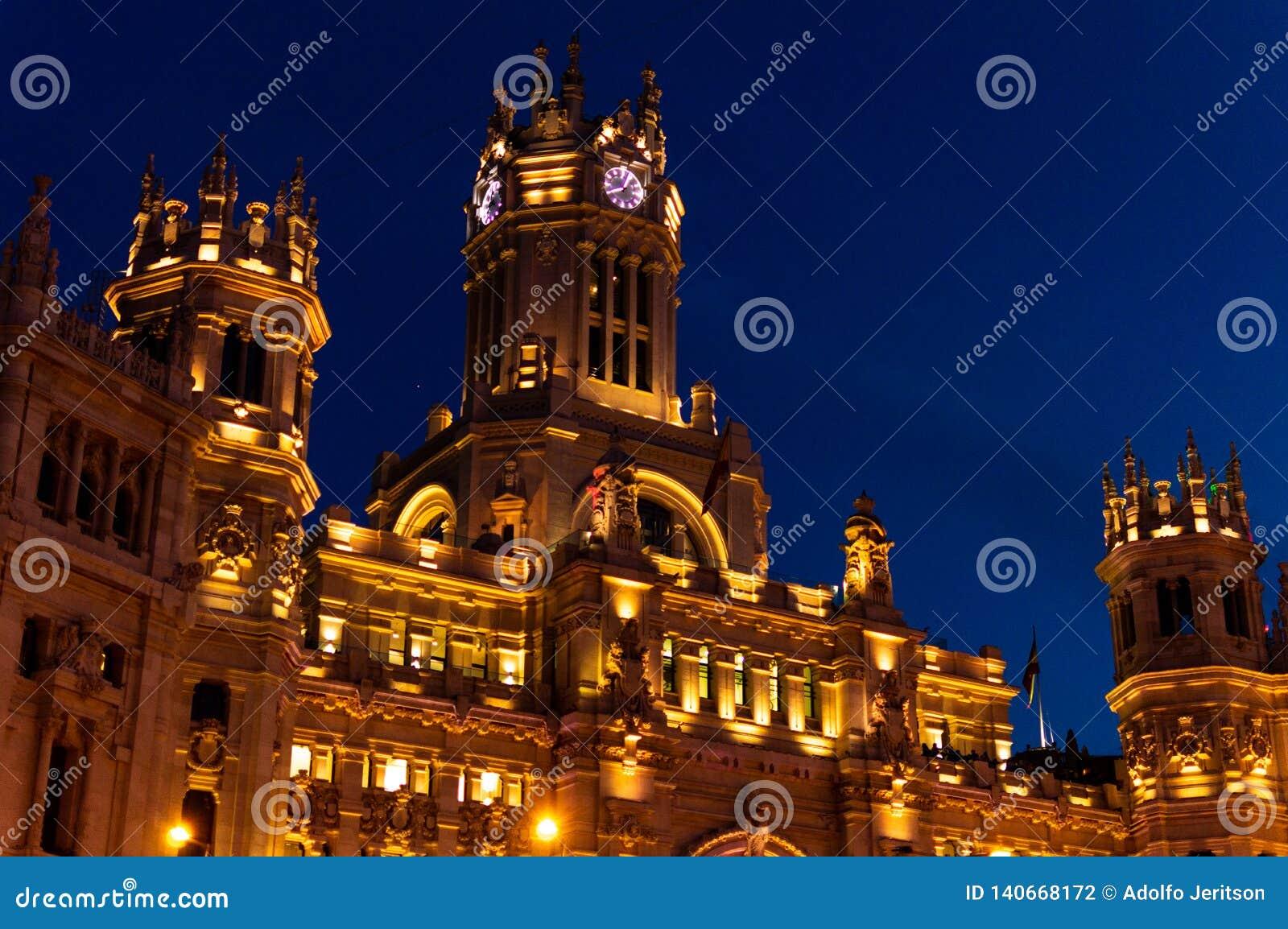 Palácio de Cibeles na noite
