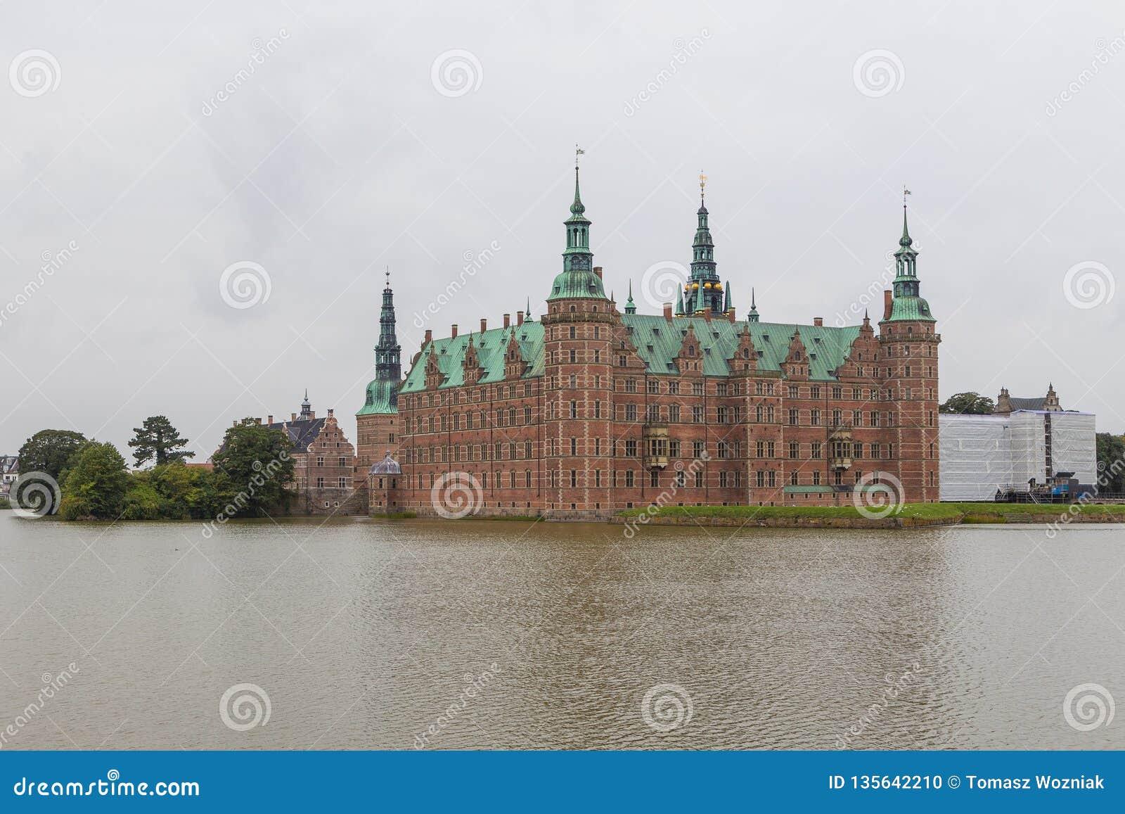 Palácio de Frederiksborg, complexo apalaçada em Hillerod, Dinamarca
