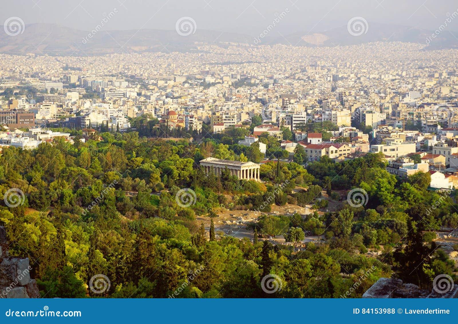 Palácio de Hephaestus e de skyline de Atenas opinião da acrópole