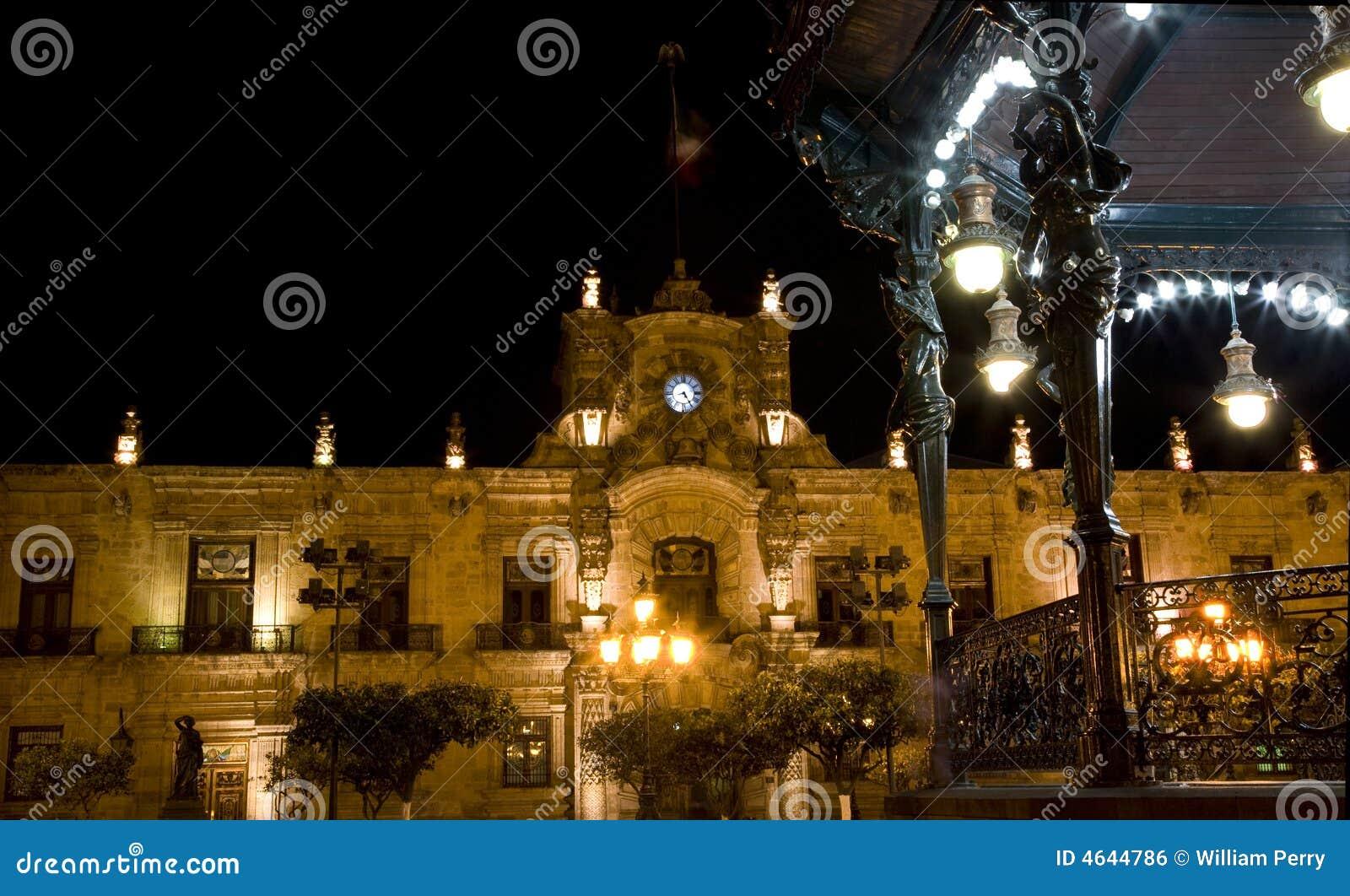 Palácio Guadalajara México do governo na noite