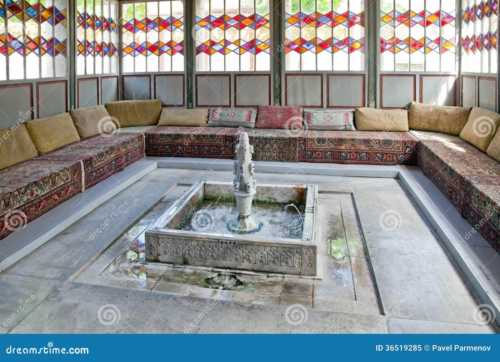 Palais de Bakhchisaray, hall des réunions. Divan
