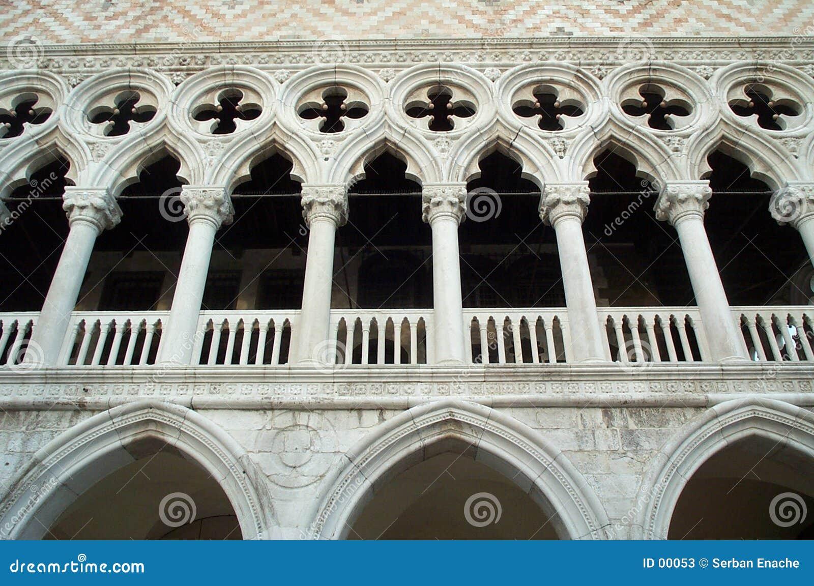Palais de détour - façade principale