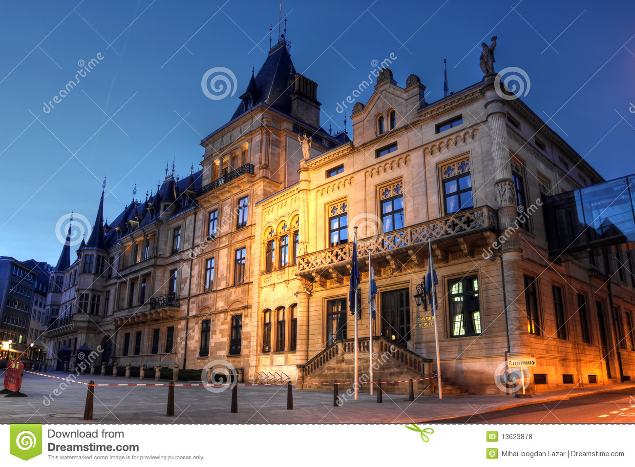 Palais grand ducal dans la ville du luxembourg photo stock for Chambre de deputes luxembourg