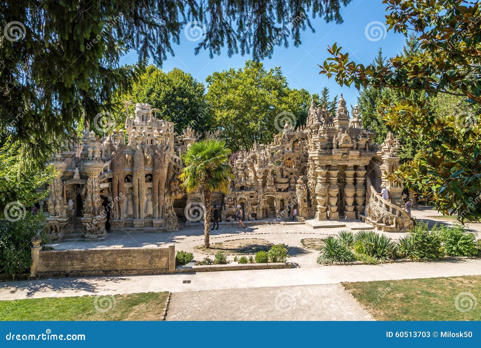 Palais Ideal du Facteur Cheval dans Hauterives - France