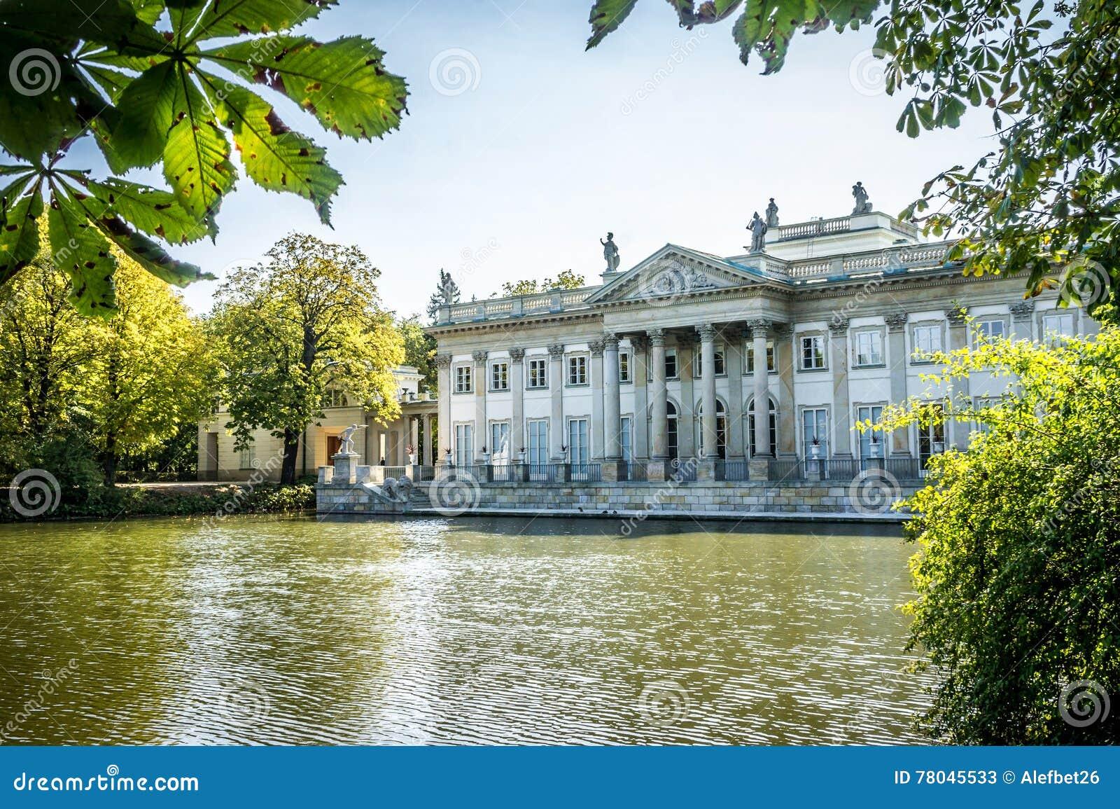 Palast Auf Dem Wasser Lazienki Park In Warschau Polen Nordfassade