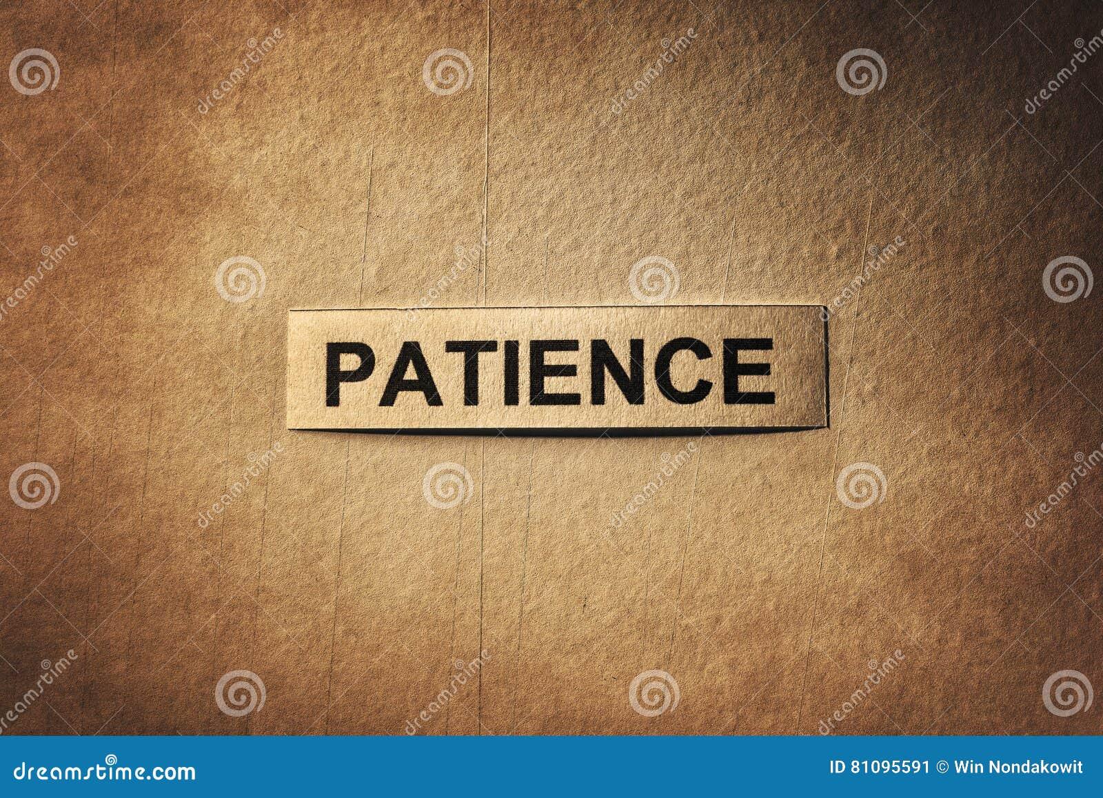 Palavra da paciência com papel de riscos