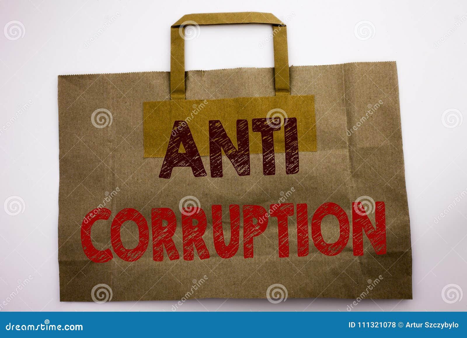 Palavra, escrevendo a anti corrupção O conceito do negócio para o texto corrompido escrito no saco de compras, branco da corrupçã