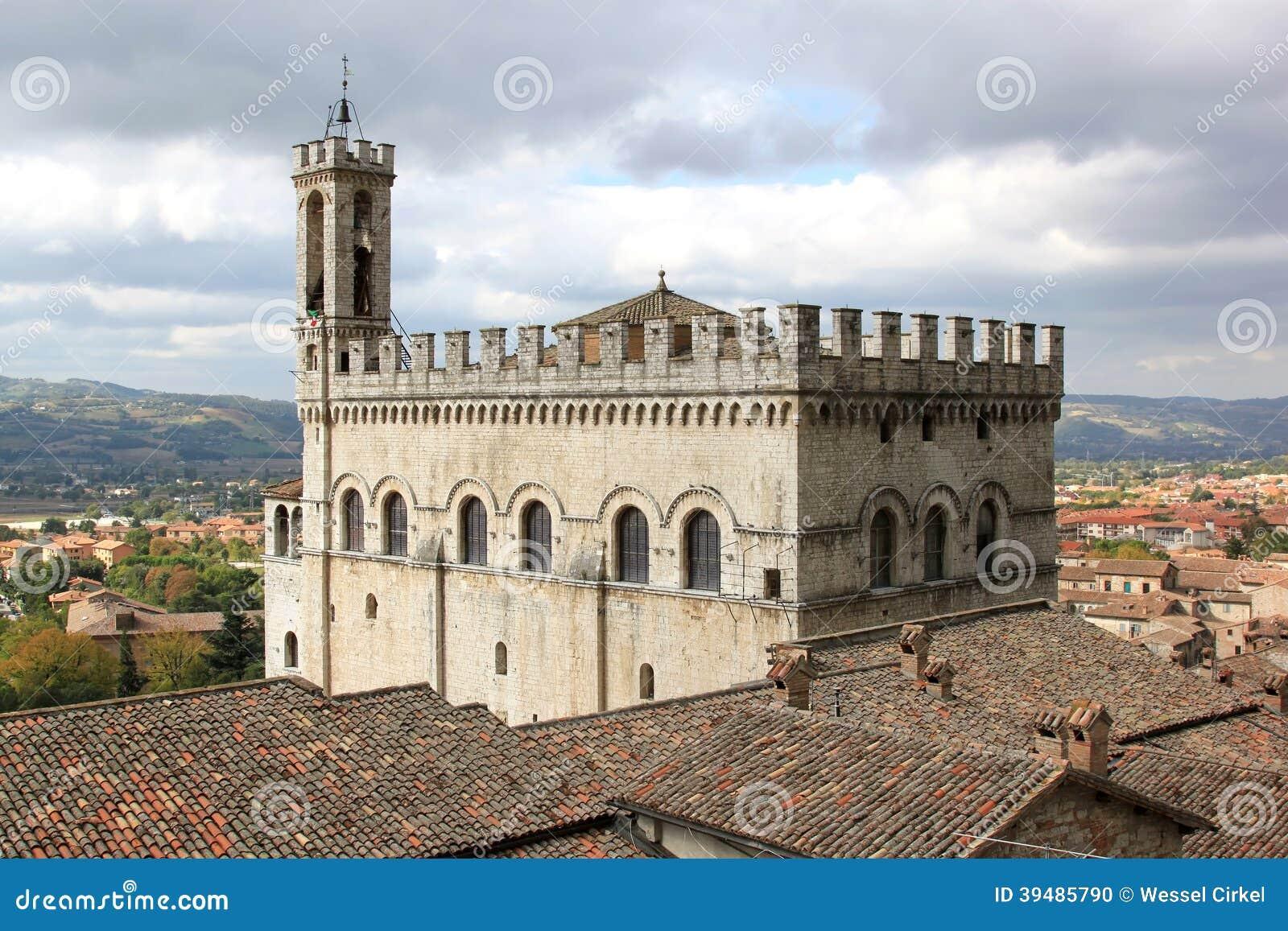 Palazzo dei Consoli w Gubbio, Włochy