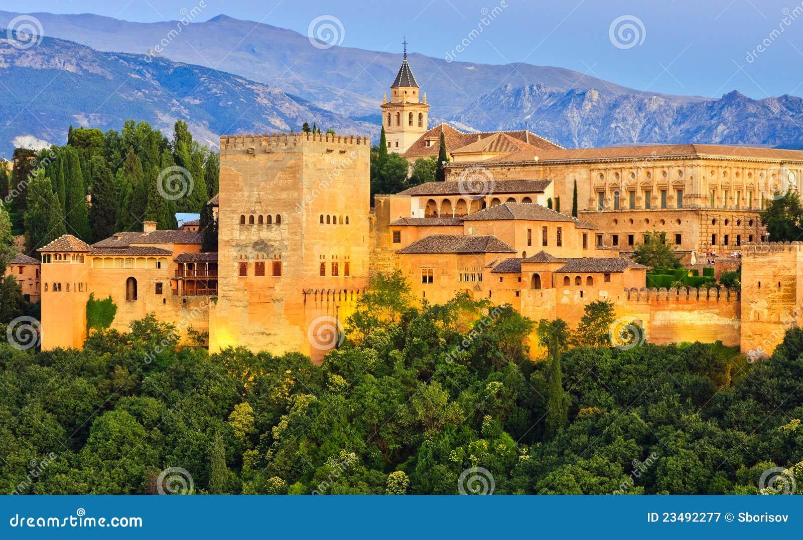 Palazzo di alhambra granada spagna immagine stock for Palazzo in stile spagnolo