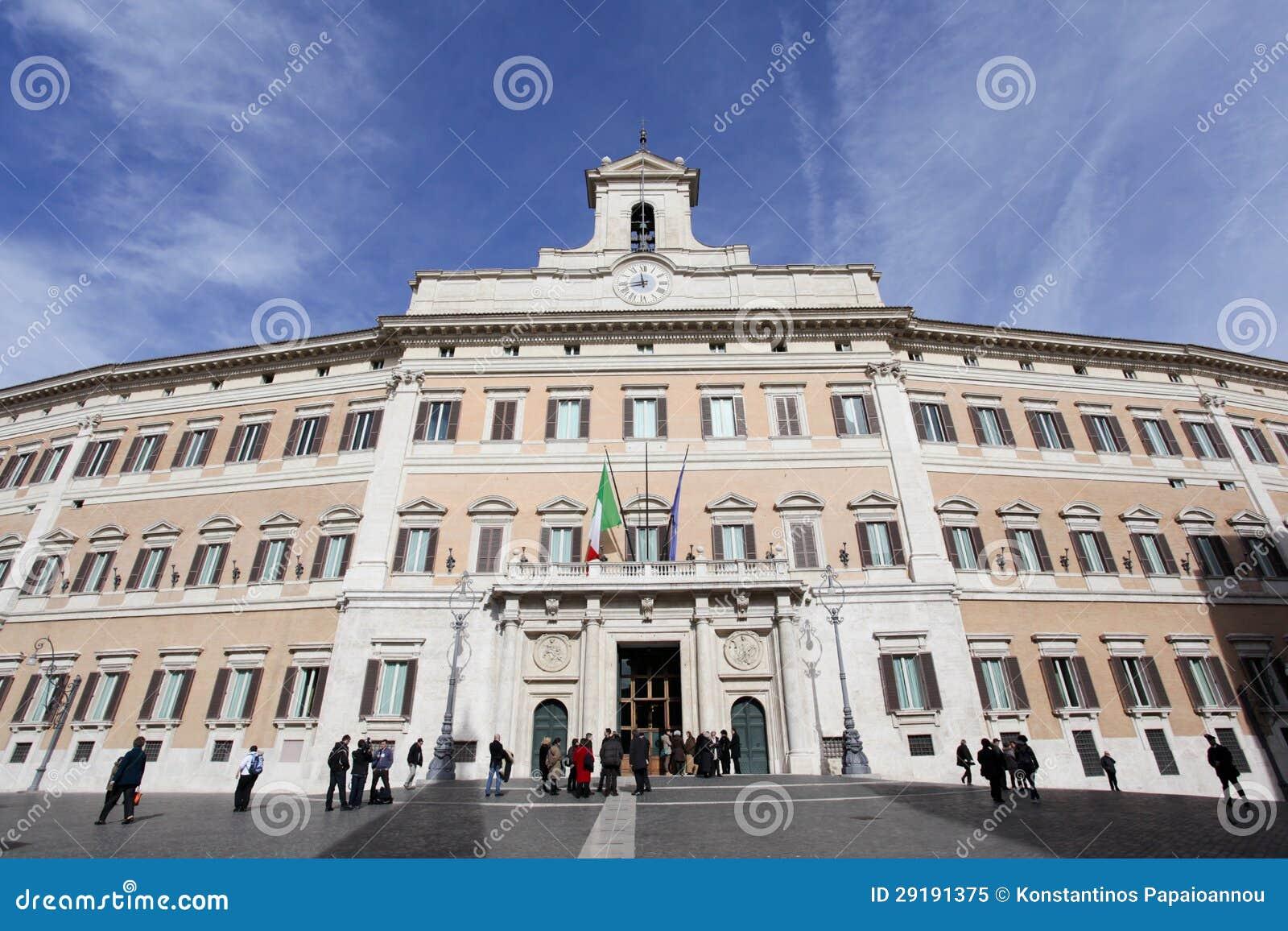Palazzo di montecitorio a roma immagine editoriale for Il parlamento italiano