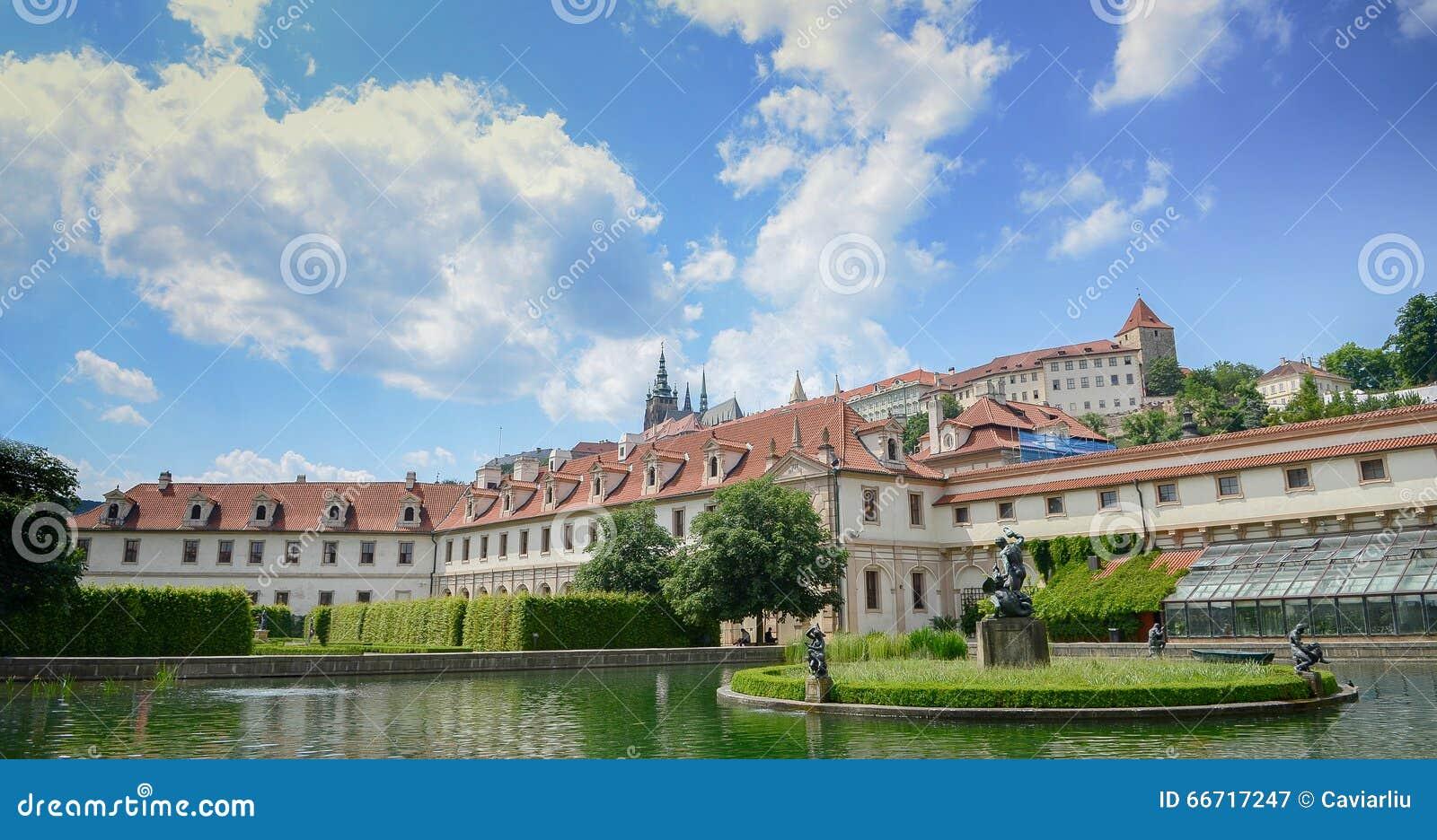 Palazzo ieri barrocco praga di wallenstein oggi il for Senato repubblica