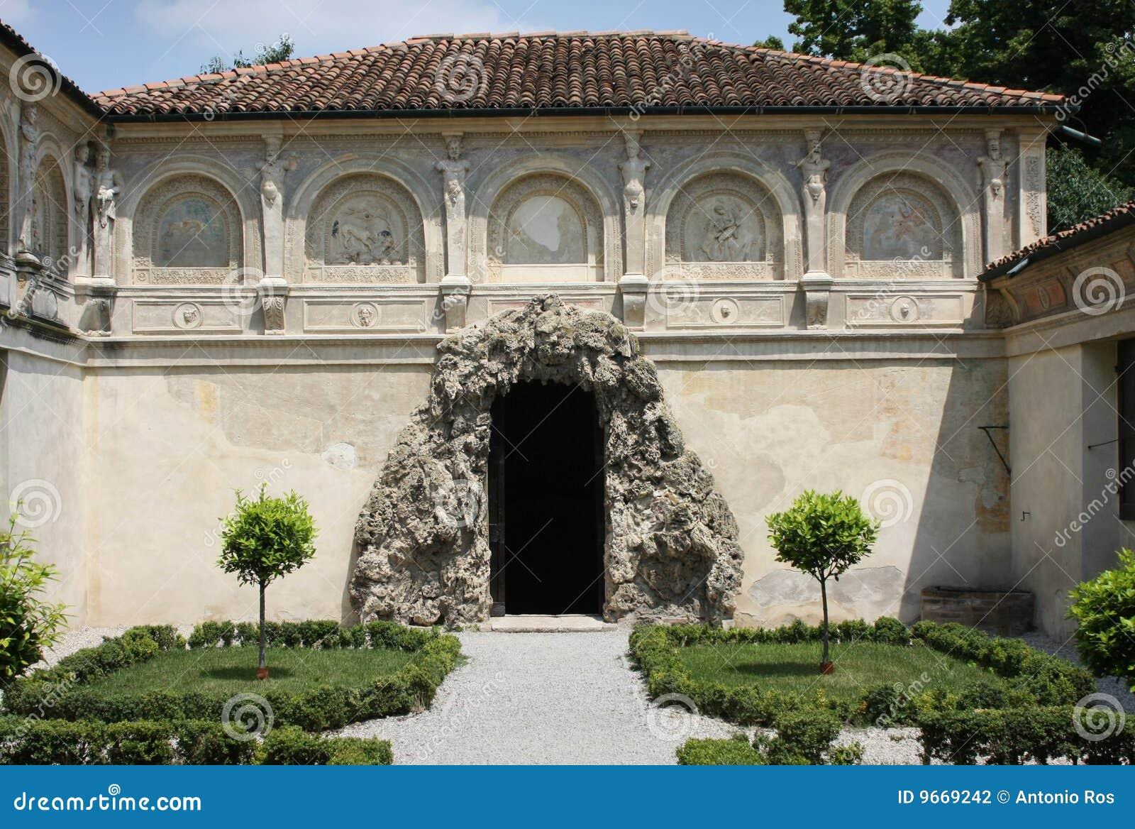 Palazzo te mantova italy the grotto stock photography - Giardino del te ...