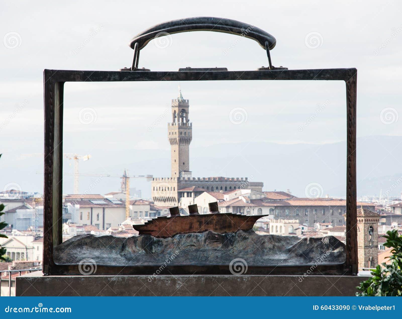 Palazzo Vecchio的看法通过与蟒蛇的金属框架