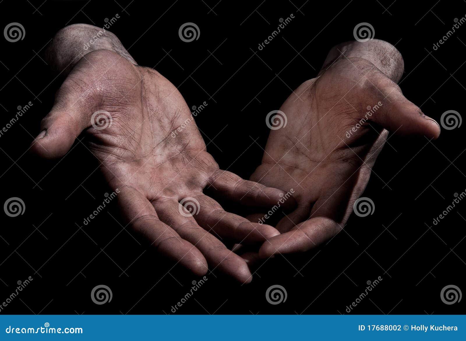 Palec brudne ręki otwierają target1094_0_
