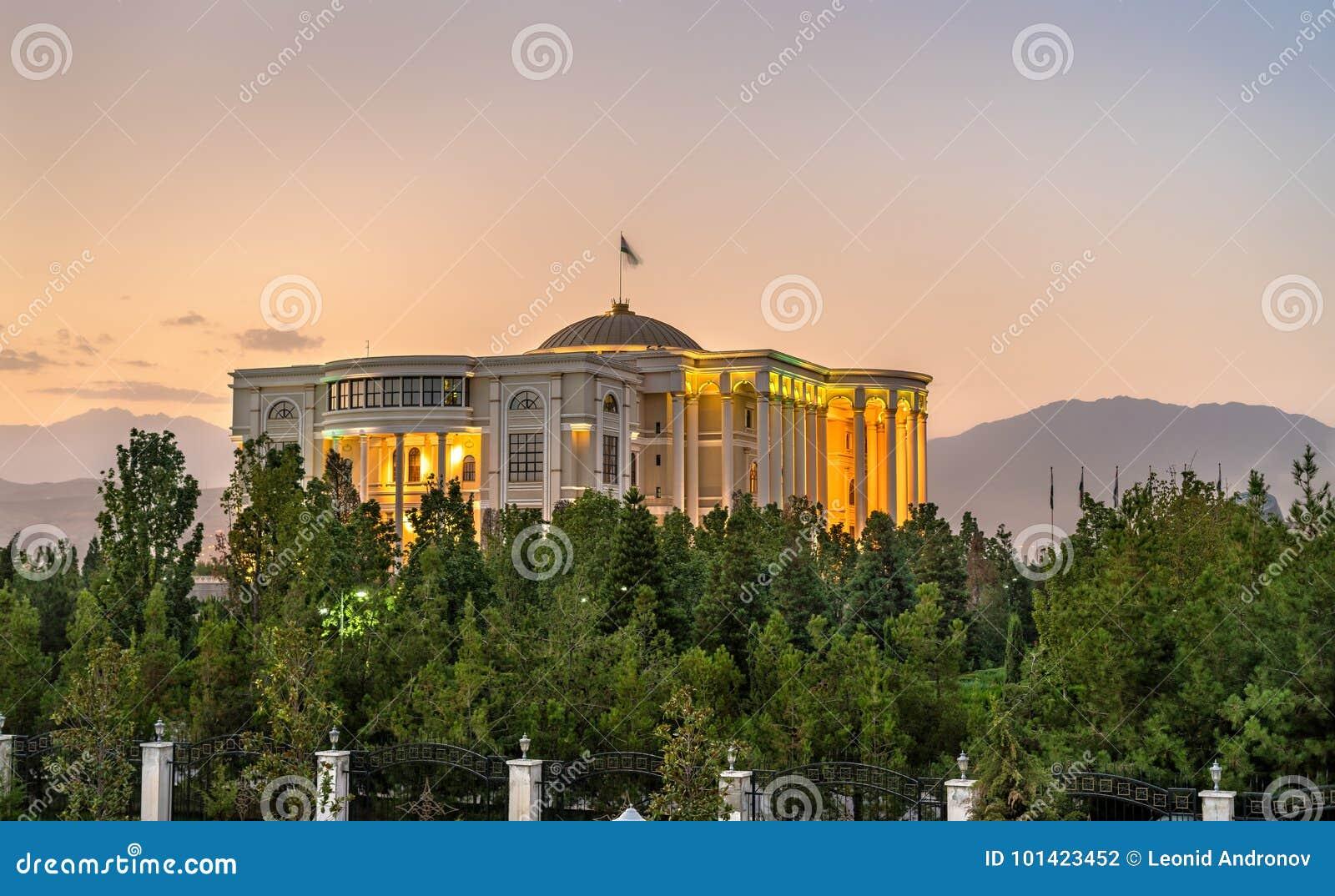 Paleis van Naties, de woonplaats van de President van Tadzjikistan, in Dushanbe