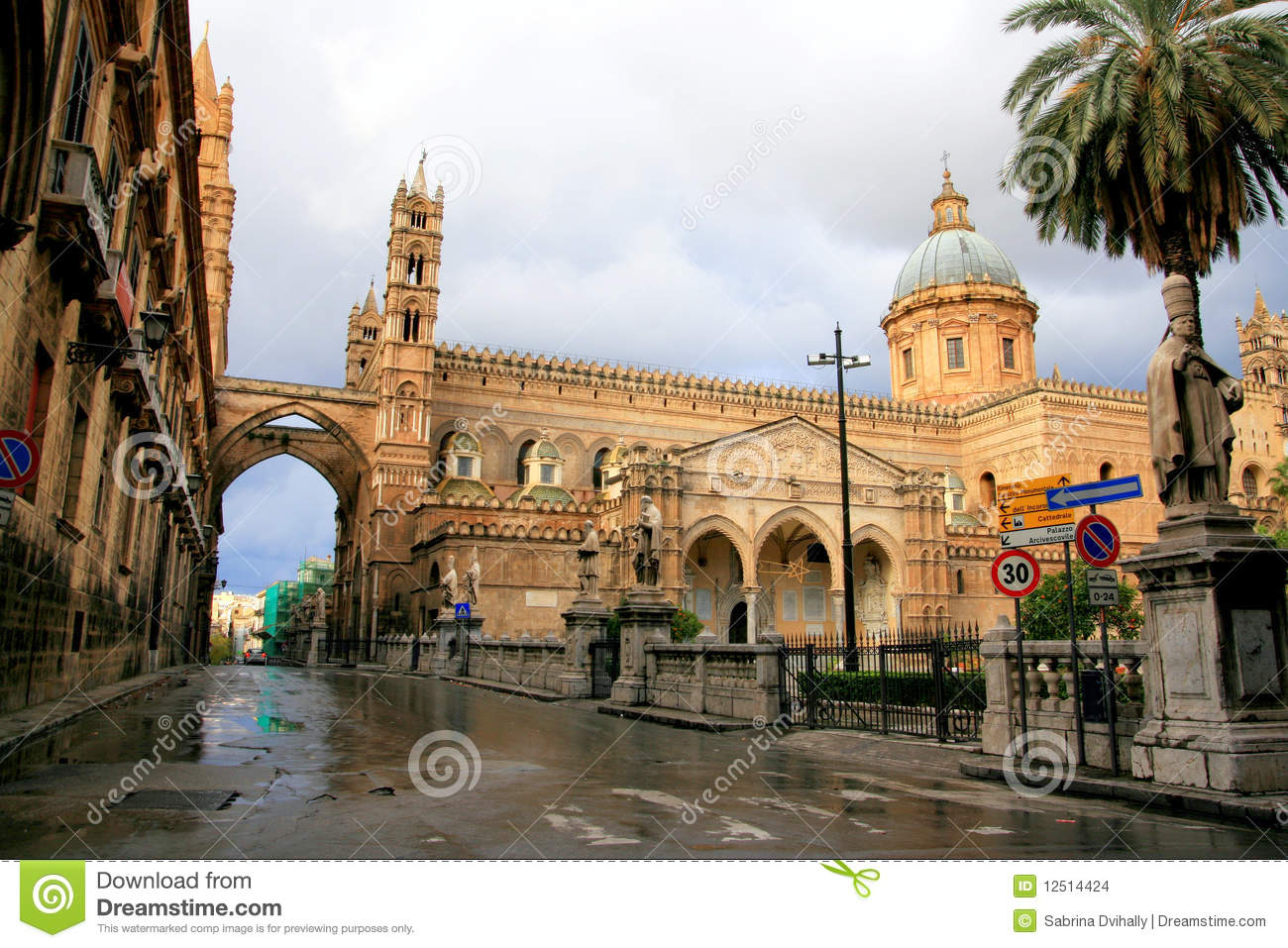 Palermo cathedral norman arabic architecture stock images for Architecture arabe