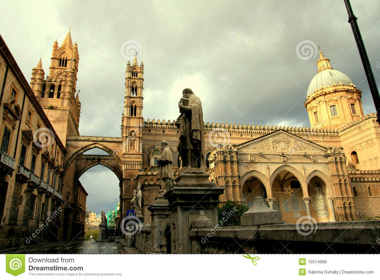 Palermo cathedral norman arabic architecture stock photo for Architecture arabe