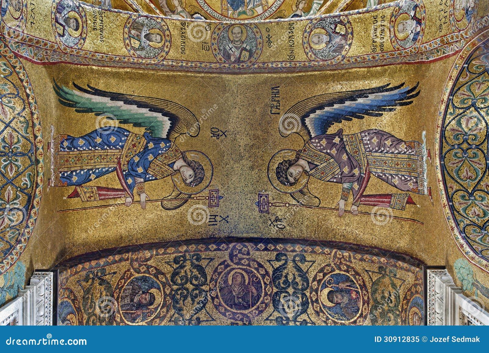 Palermo - Mozaïek van Aartsengel Michael en Gabriel van plafond in Kerk van Santa Maria dell Ammiraglio