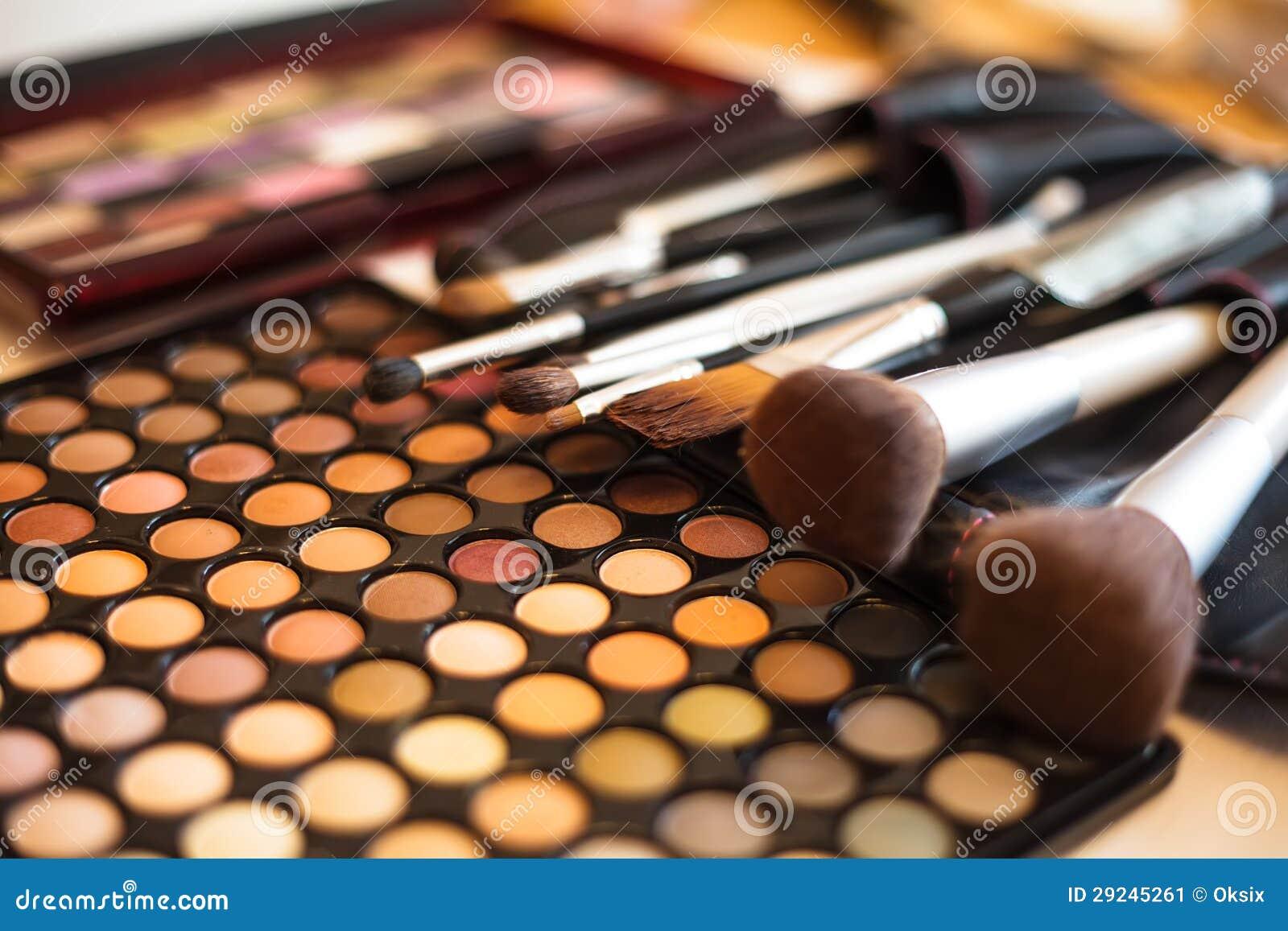 Download Paleta Da Sombra Para Os Olhos Imagem de Stock - Imagem de macro, aplicar: 29245261
