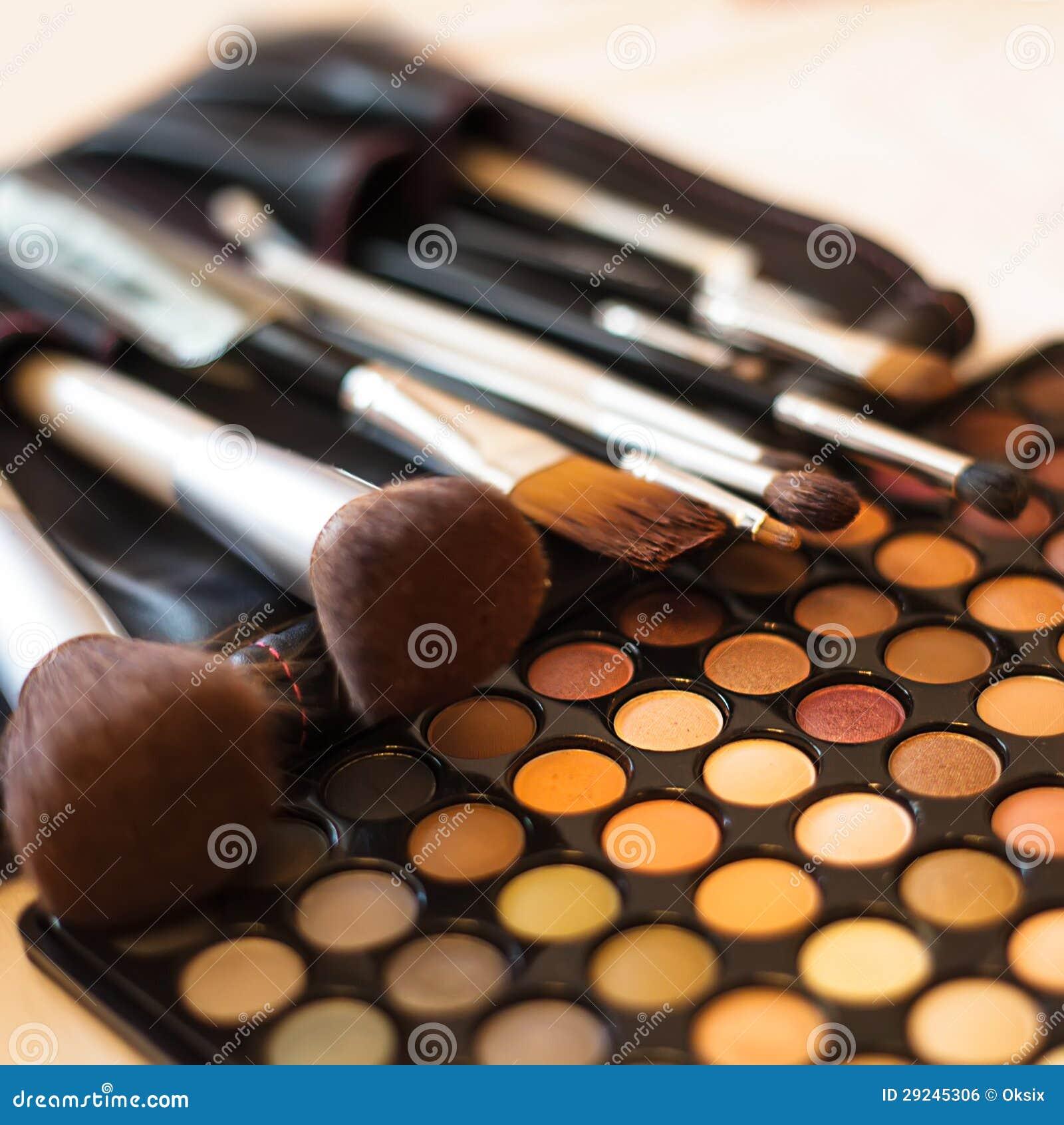 Download Paleta Da Sombra Para Os Olhos Foto de Stock - Imagem de marrom, ninguém: 29245306