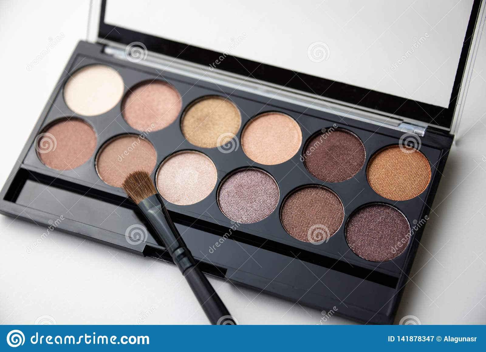 Palette of brown shadows