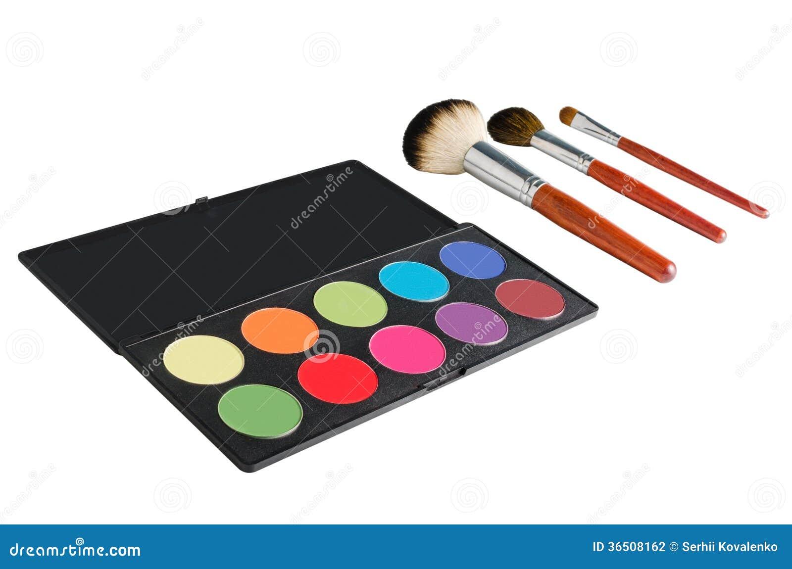 Palette et brosses de maquillage