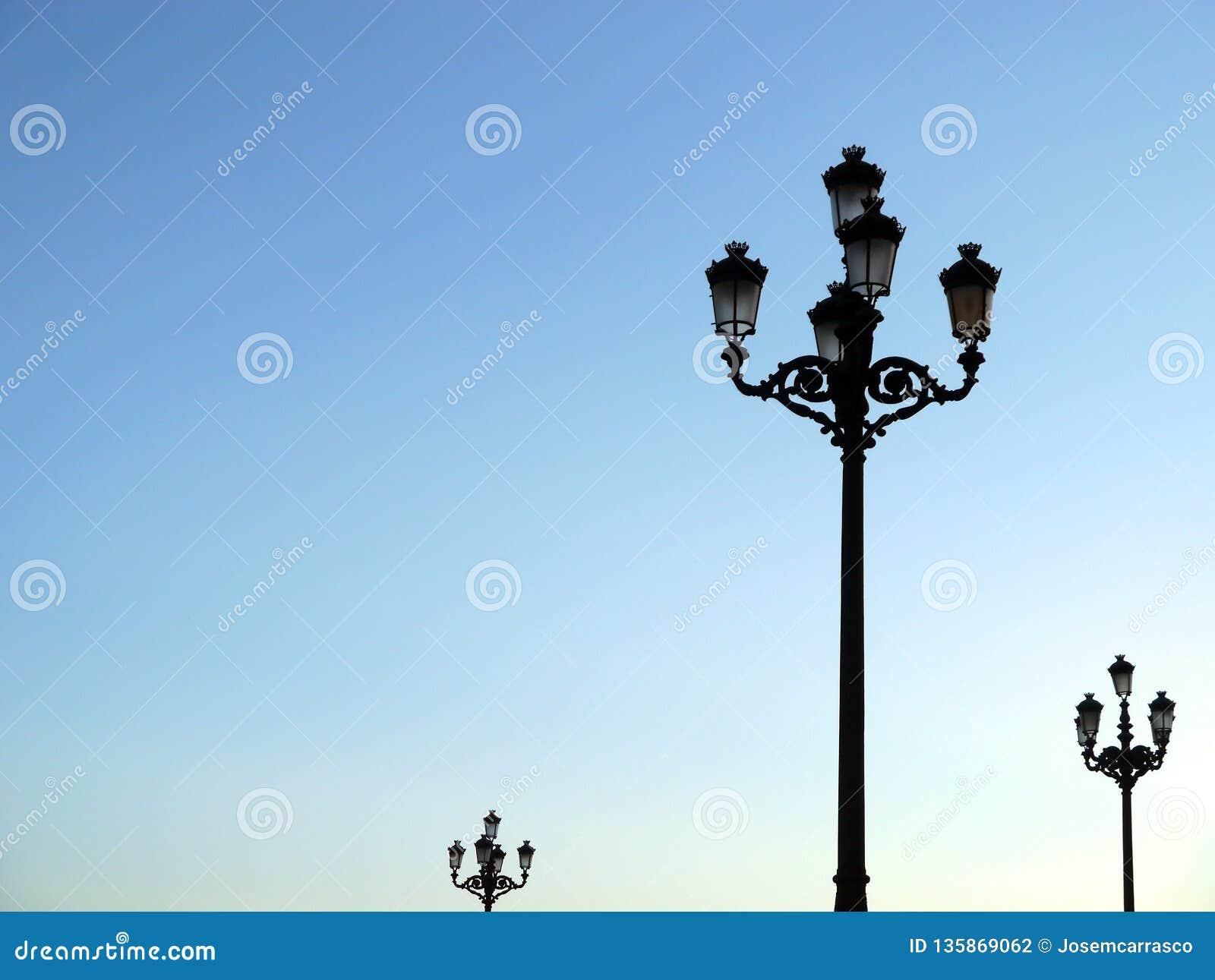 Pali della luce di luce per illuminare le fasi di concerto