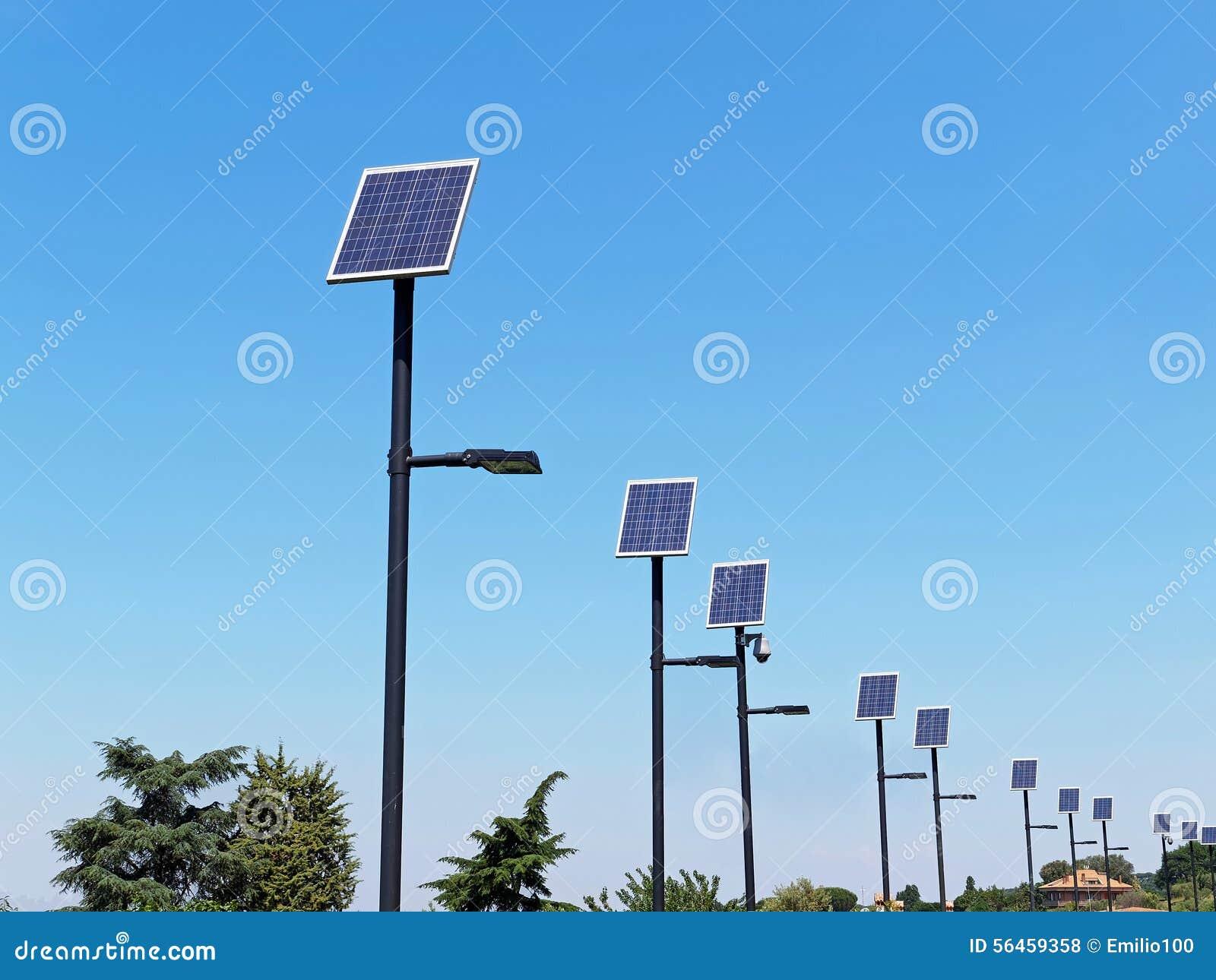 Pali illuminazione stradale con pannello fotovoltaico prezzi