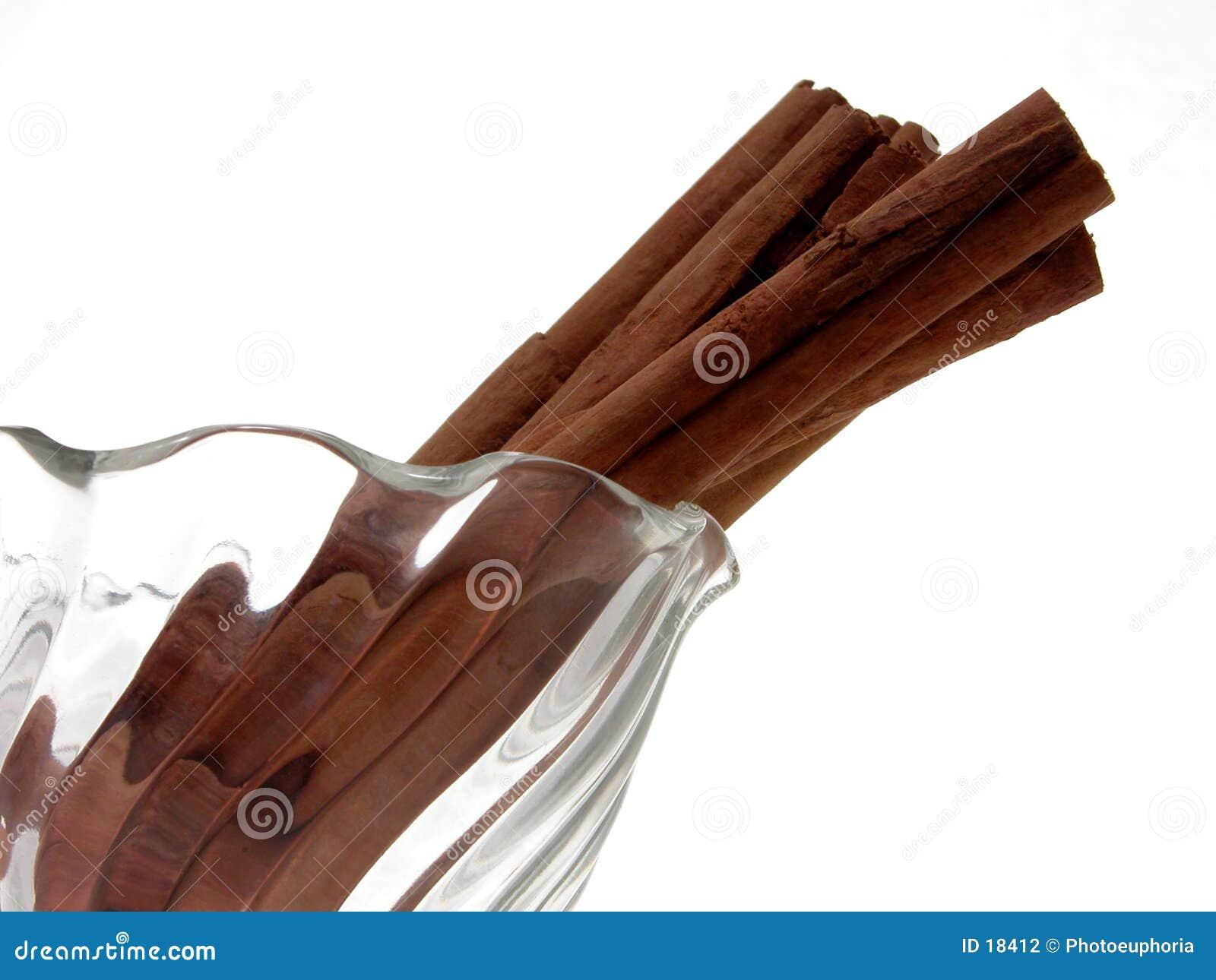 Palillos de cinamomo