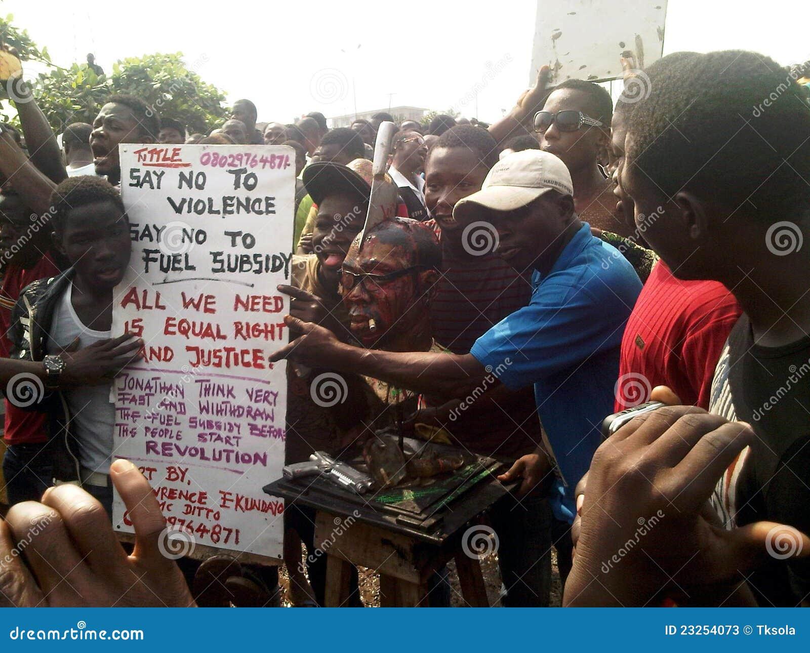 Paliwowa nigeryjska ojota protestujących usunięcia dotacja