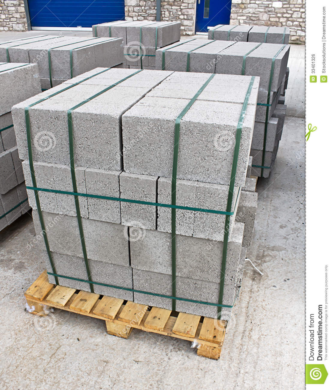 Pallet Of Breeze Blocks Royalty Free Stock Image - Image: 33401326