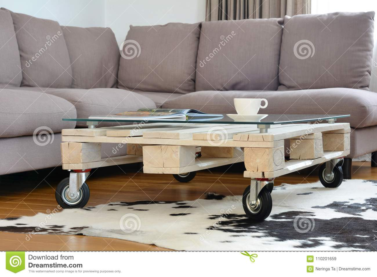 - Pallet Coffee Table In Modern Living Room Stock Image - Image Of