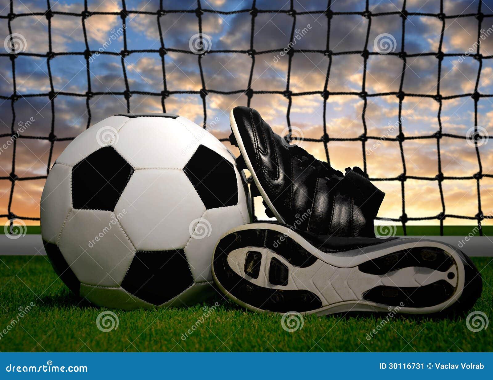 Scarpe Da Calcio E Pallone