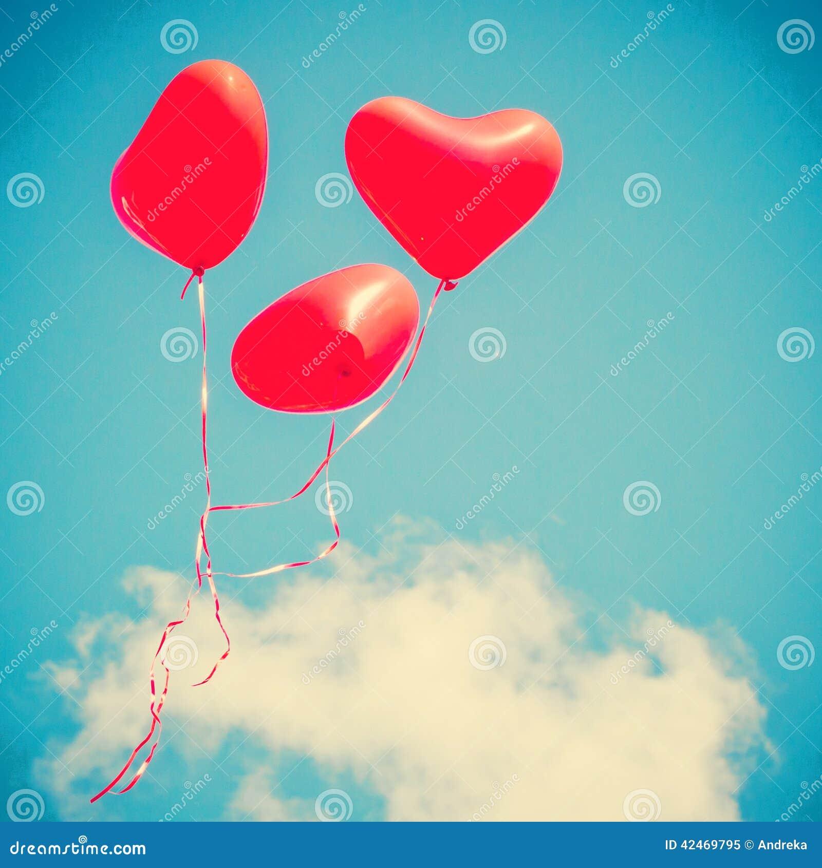 Palloni in forma di cuore rossi