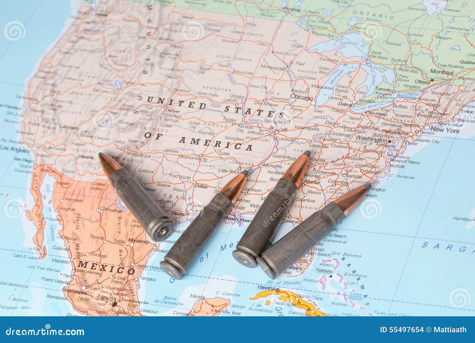 La Cartina Geografica Degli Stati Uniti.Pallottole Sulla Mappa Degli Stati Uniti D America Fotografia Stock Immagine Di Carta Fucile 55497654