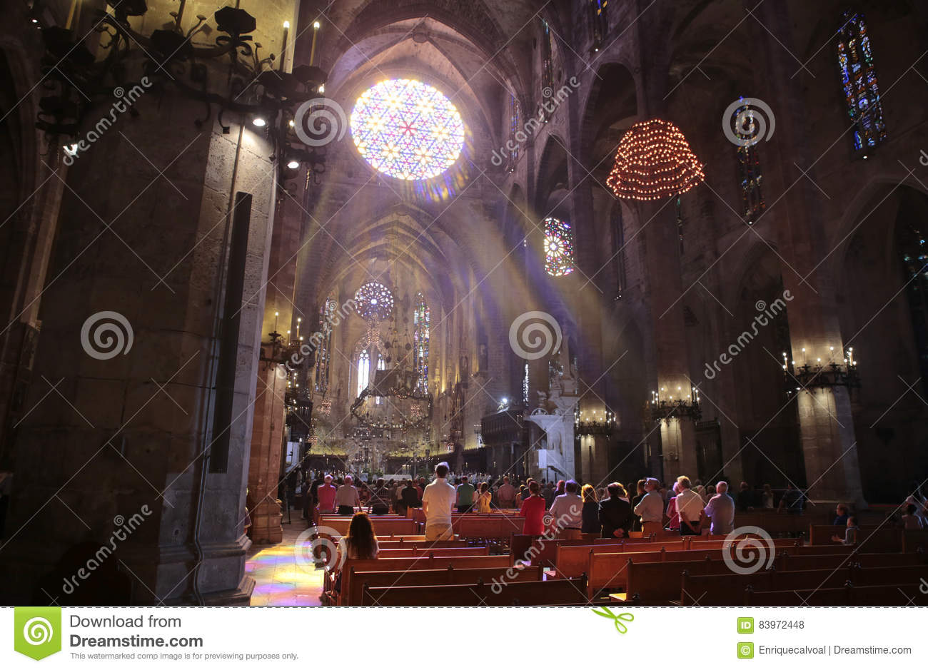 Palma de Mallorca´s cathedral morning mass wide view
