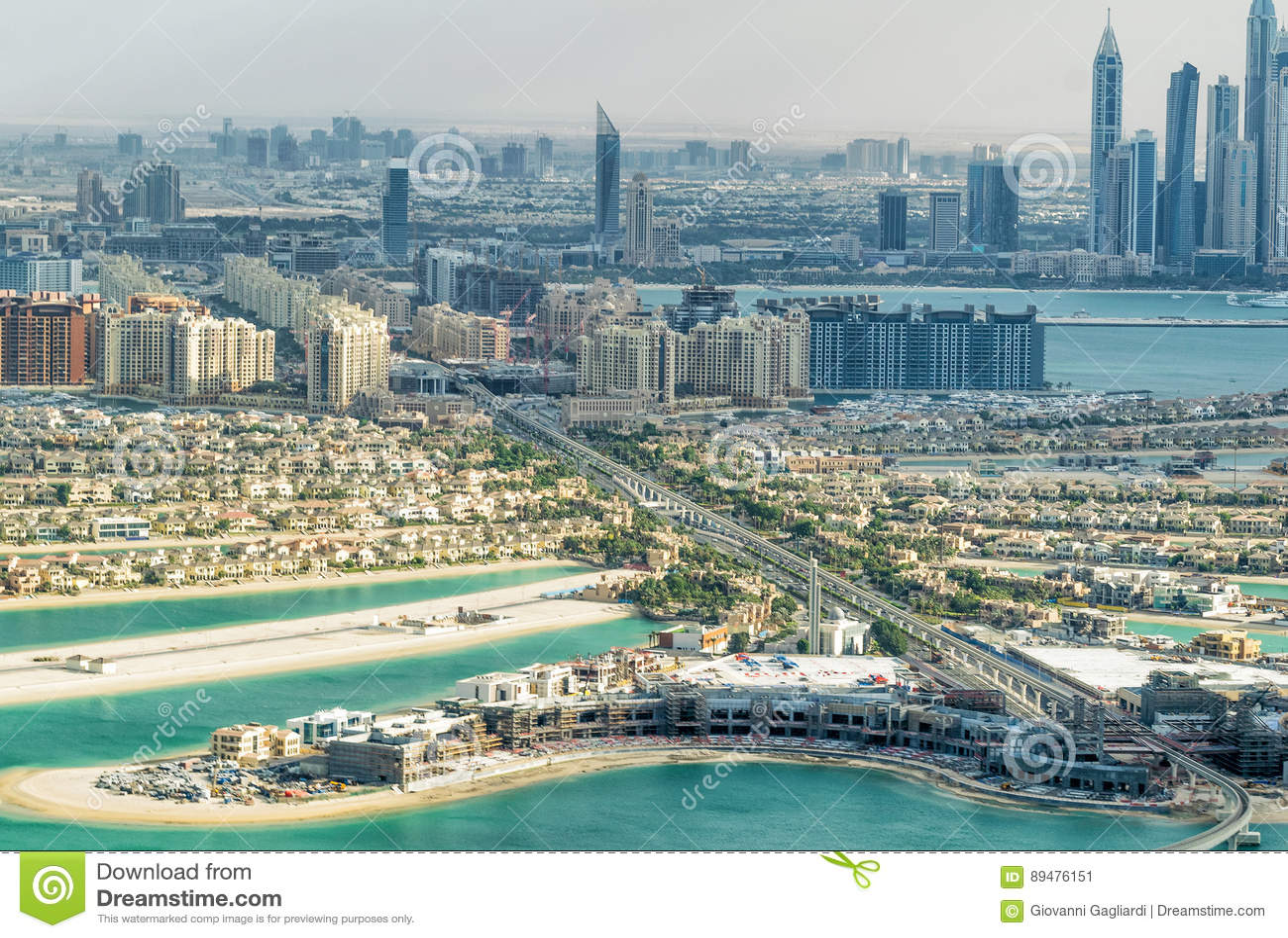 Palma Jumeirah de Dubai e arquitetura da cidade do helicóptero