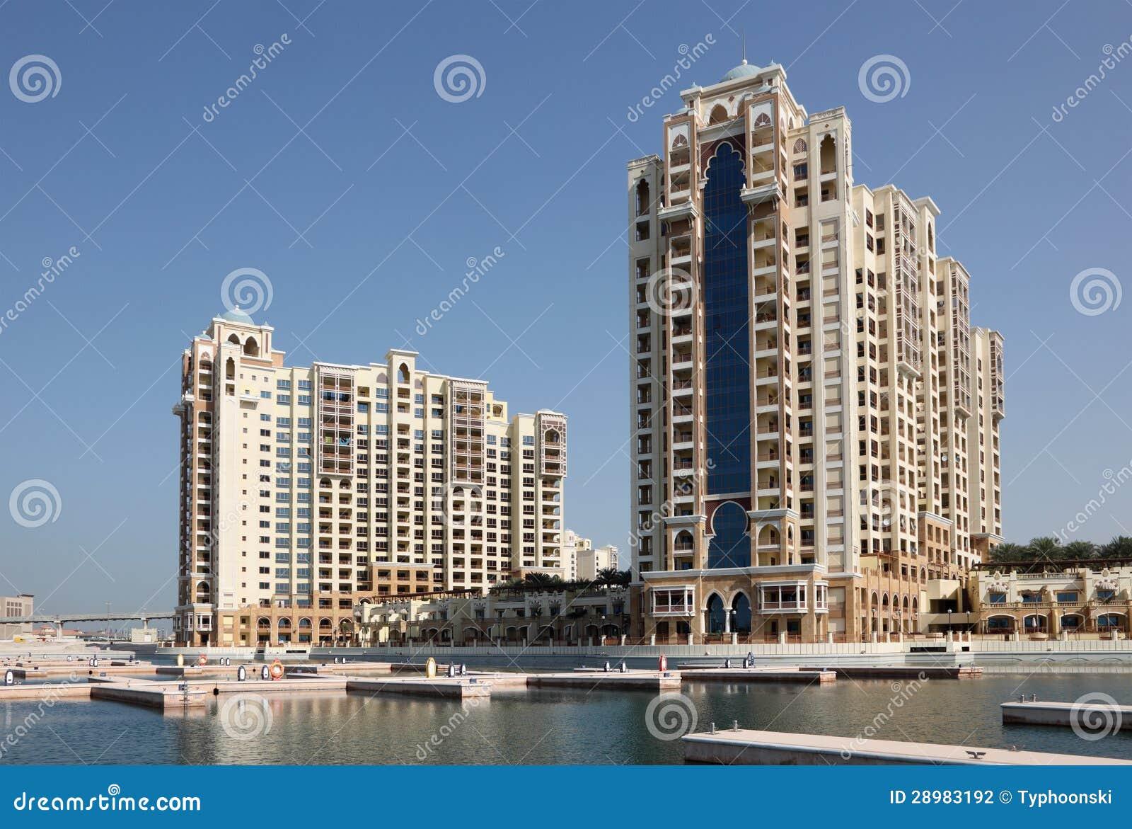 Highrisewohngebäude auf palme jumeirah dubai arabische emirate