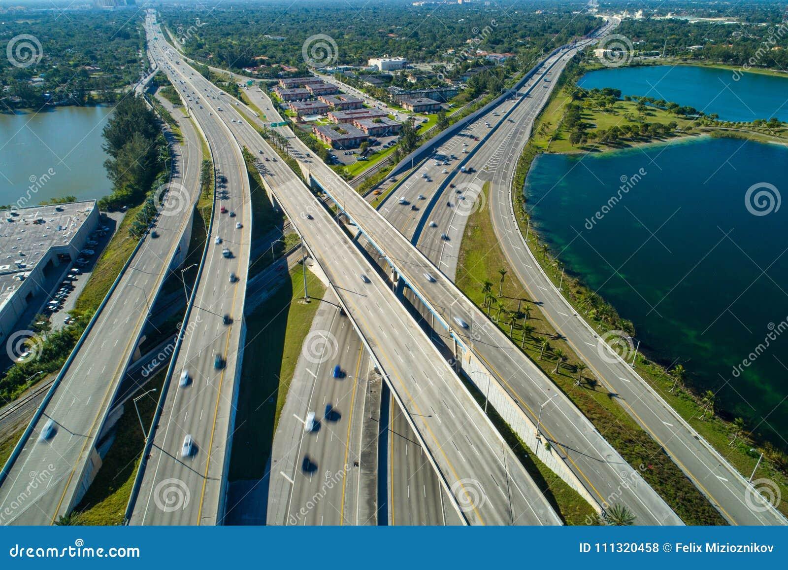 Palmetto aéreo de Miami la Florida del intercambio de la carretera de la foto del abejón ex