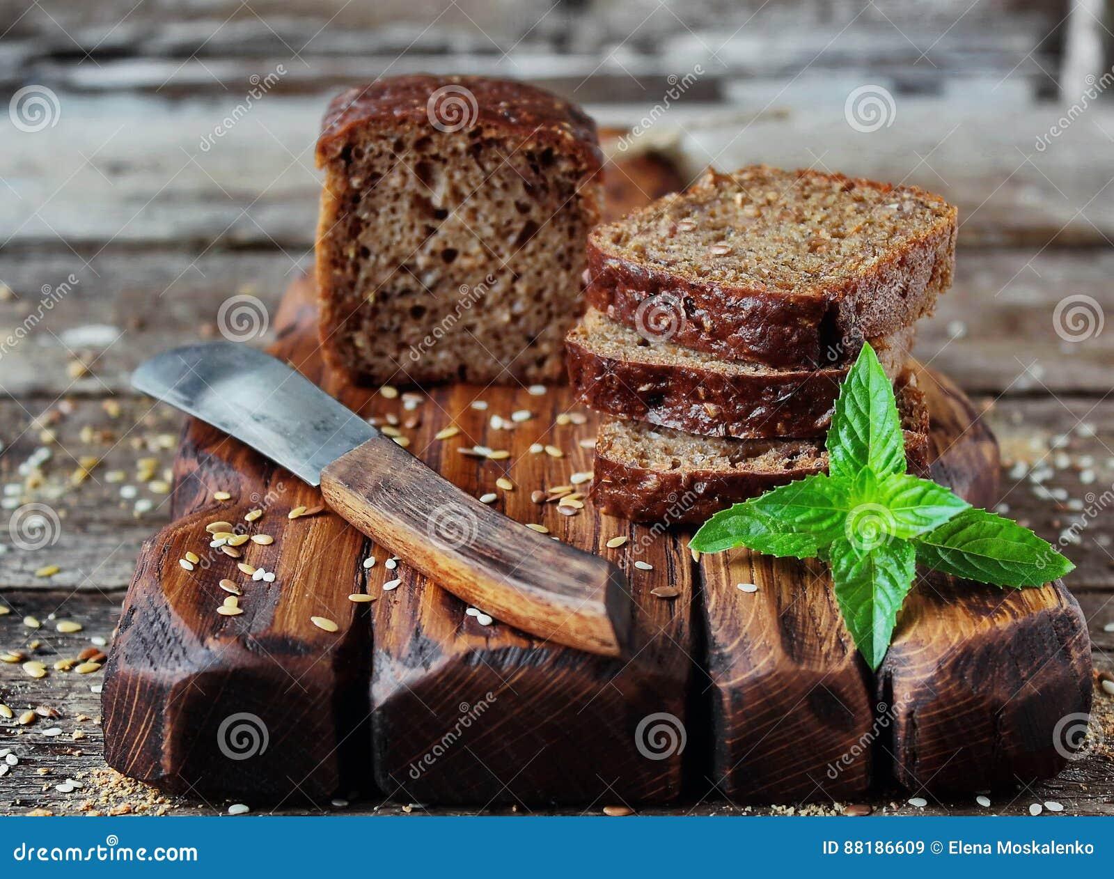 Pan ácimo con la semilla del salvado y de lino