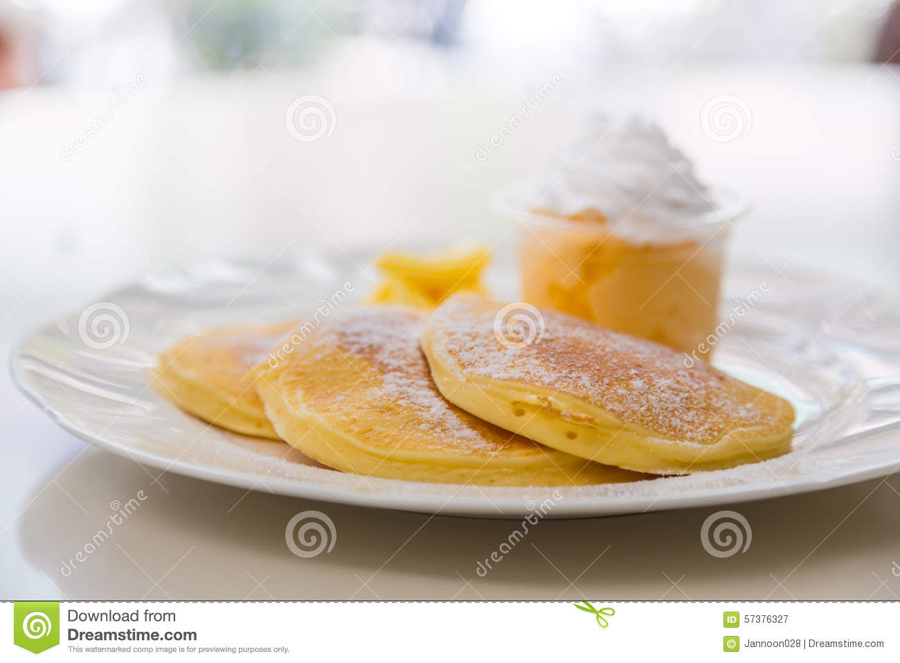 Pan cake with ice cream