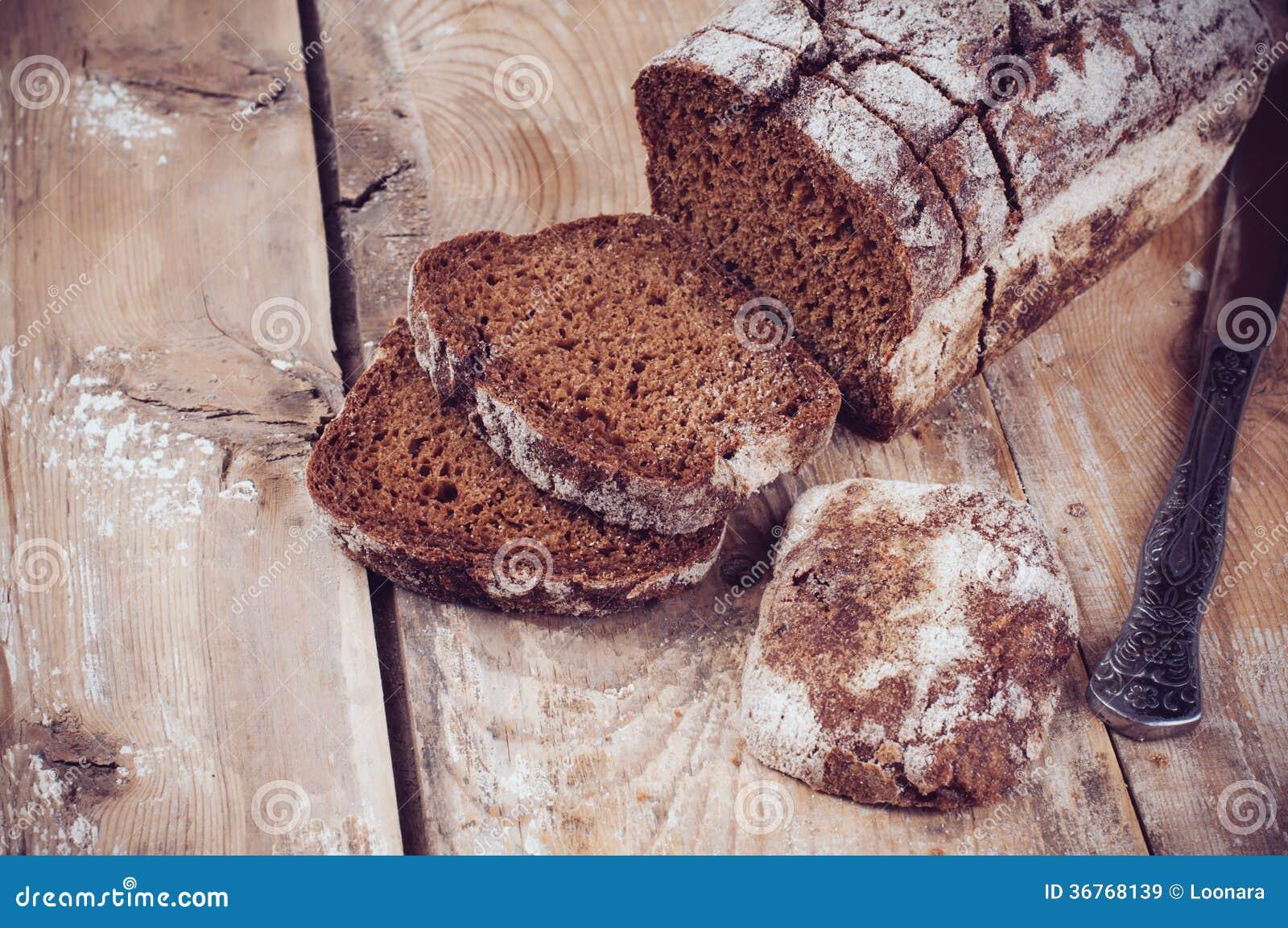 Pan de centeno integral rústico