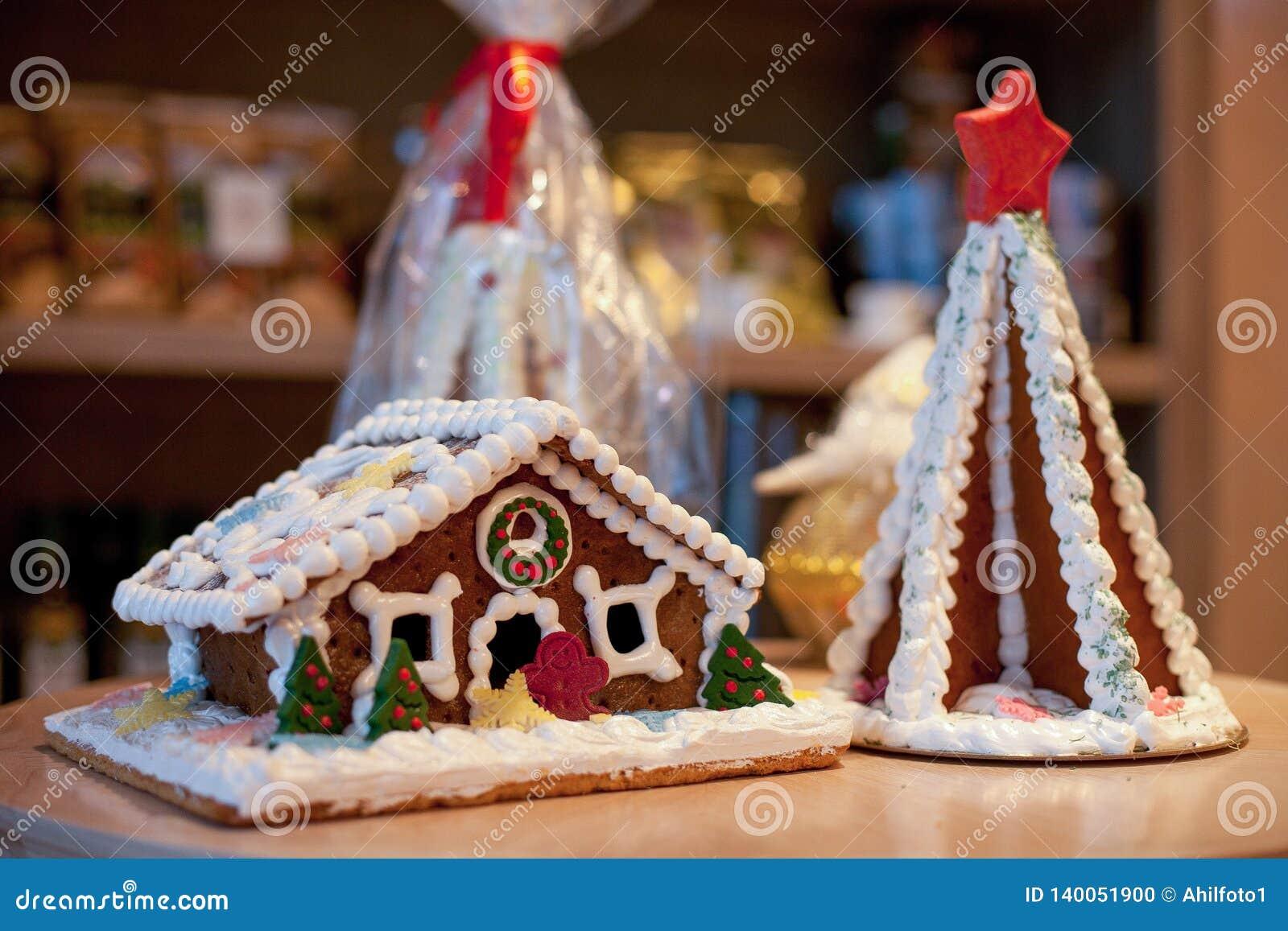 Pan de jengibre de la Navidad bajo la forma de house&
