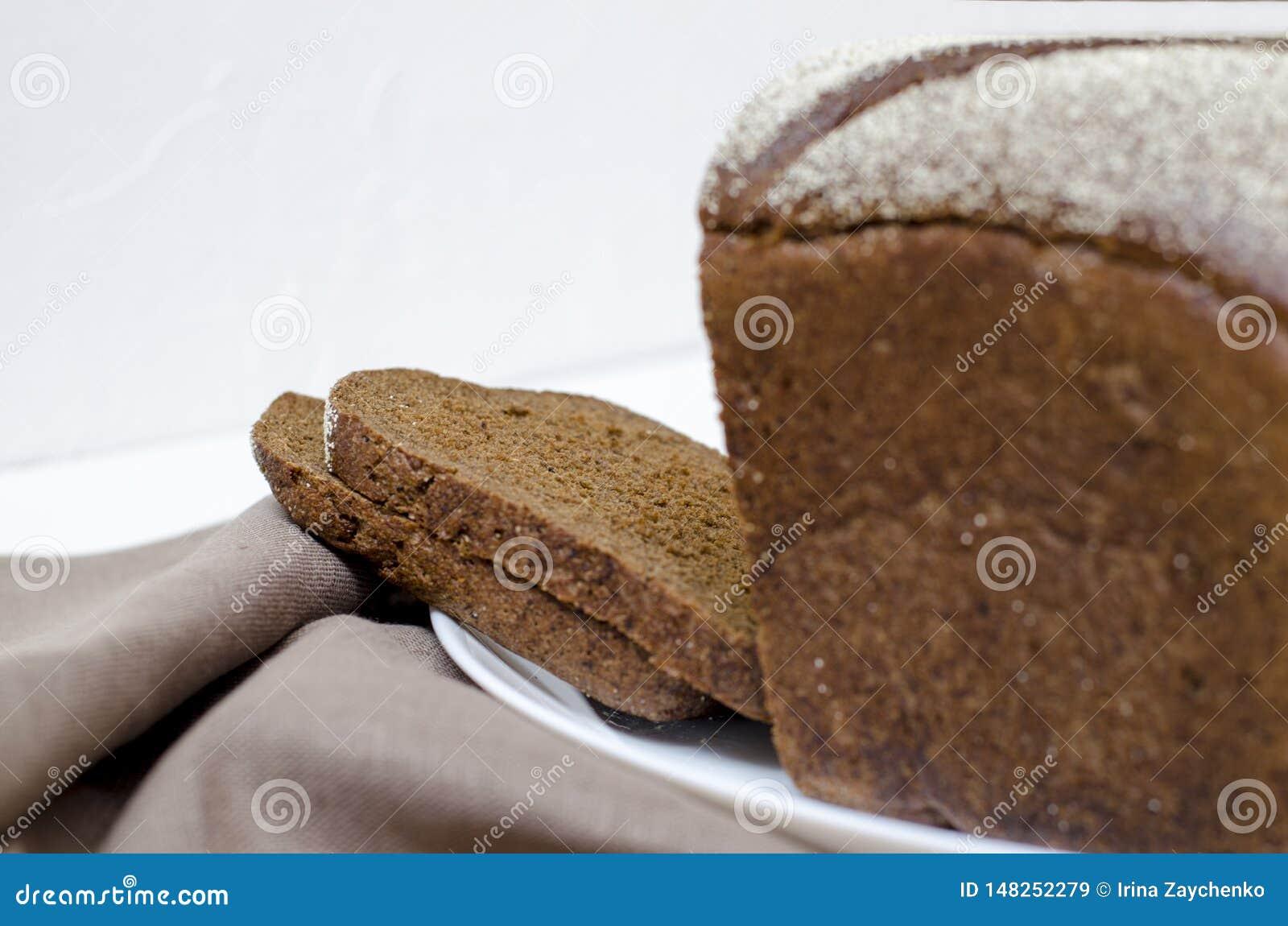 Pan de Rye en un fondo blanco