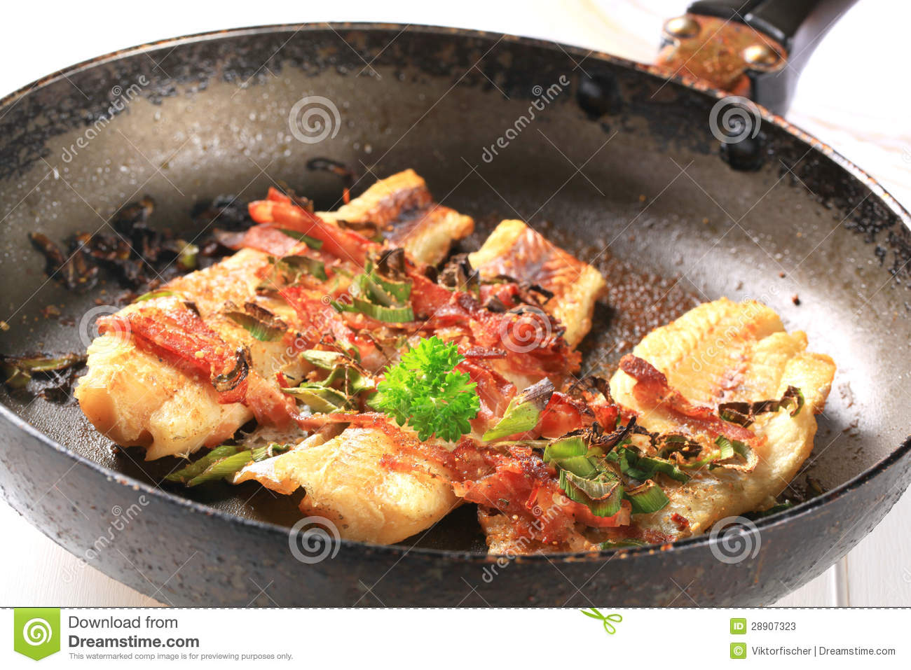 Pan fried fish fillets stock photos image 28907323 for Pan fried fish fillet recipes